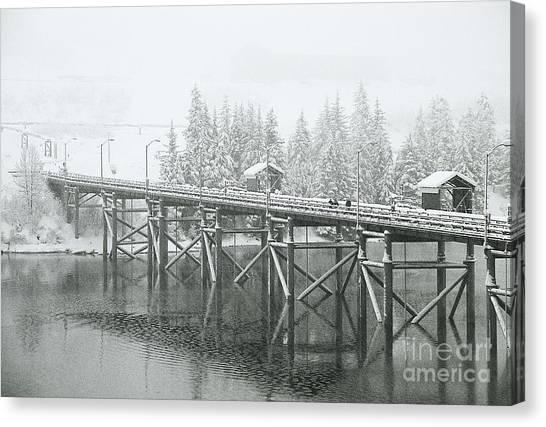 Winter Morning In The Pier Canvas Print