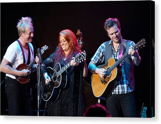 Wynonna Judd In Concert With Hubby Cactus Moser And Band Guitarist Canvas Print