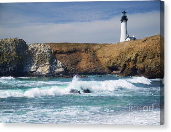 Yaquina Head Lighthouse On The Oregon Coast Canvas Print