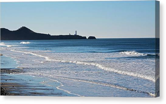 Yaquina Lighthouse And The Pacific Canvas Print