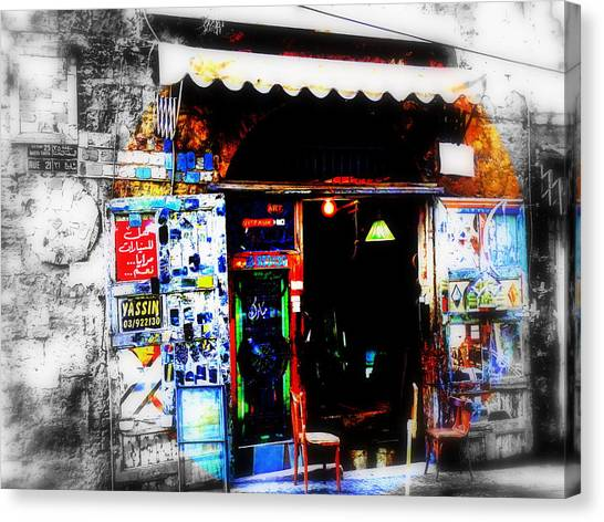 Yassin Glass Maker In Beirut Canvas Print