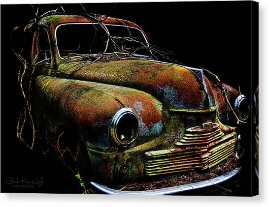 Canvas Print featuring the photograph Ye Ol Vanguard by Glenda Wright