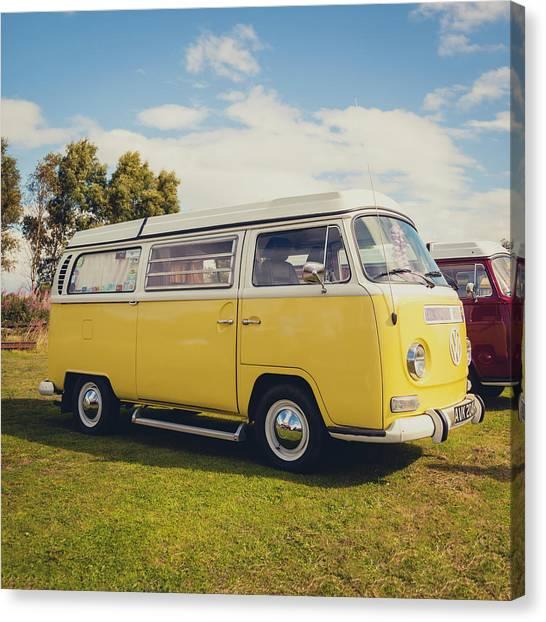 Canvas Print - Yellow Vw T2 Camper Van 02 by Richard Nixon