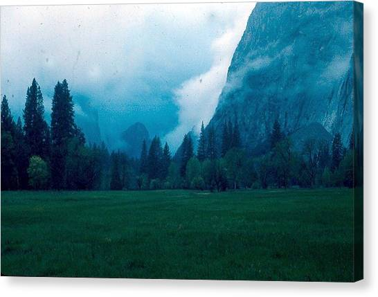 Yosemite Clouds II Canvas Print by Chris Gudger