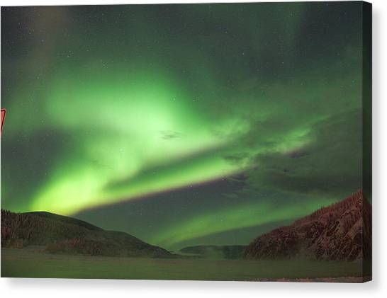 Canvas Print featuring the photograph Yukon Northern Lights 2 by Phyllis Spoor
