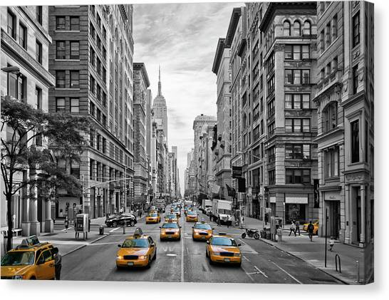American Canvas Print - 5th Avenue Nyc Traffic by Melanie Viola