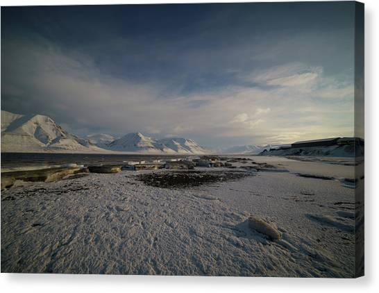Adventfjorden Canvas Print