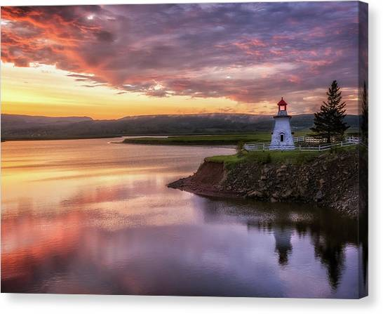 Anderson Hollow Lighthouse Canvas Print by Tracy Munson