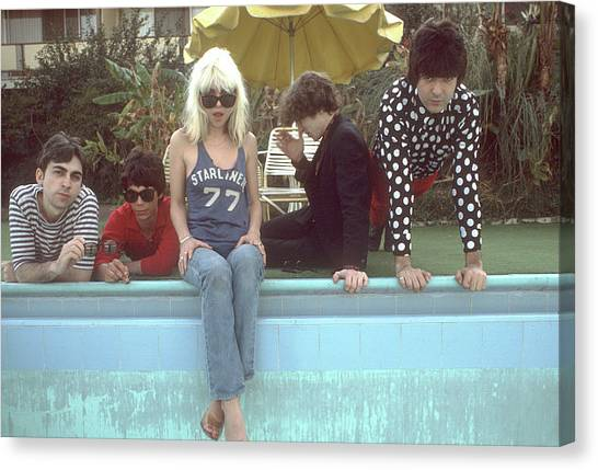 Blondie Portrait Session In La Canvas Print by Michael Ochs Archives