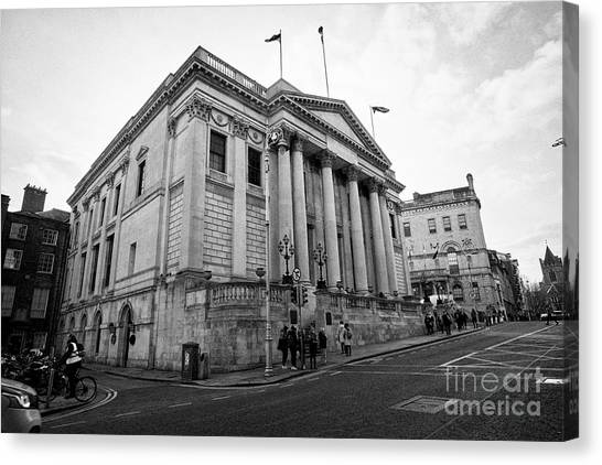 Dublin City Hall Originally The Royal Exchange Dublin Republic Of Ireland Europe Canvas Print by Joe Fox