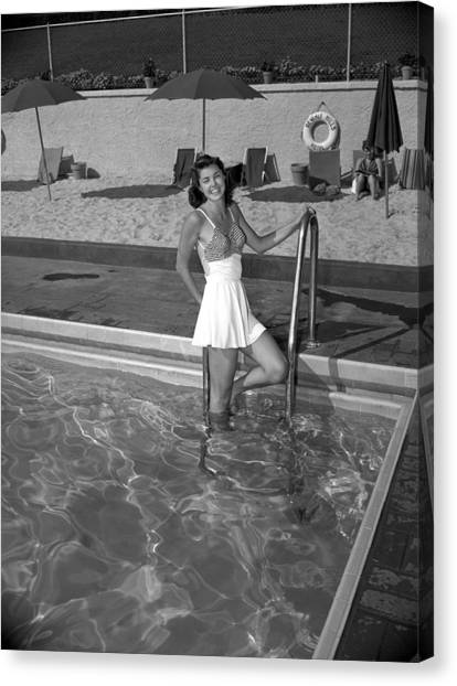 Esther Williams At The Beverly Hills Canvas Print