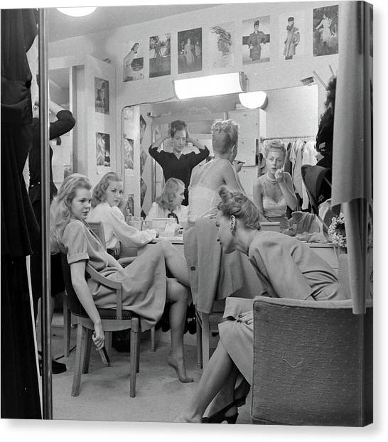 Models At The Neiman Marcus Store, An Canvas Print