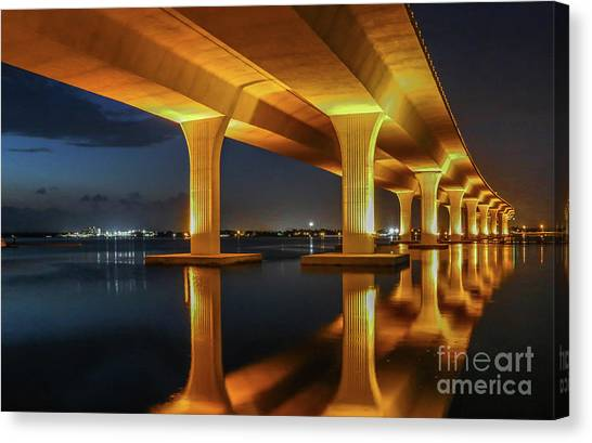 Canvas Print featuring the photograph Roosevelt Reflection by Tom Claud