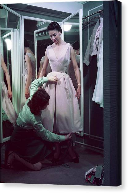Dior In France In The 1950s - Canvas Print