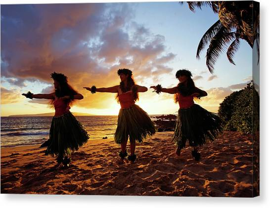 Hula Dancers At Sunset Canvas Print