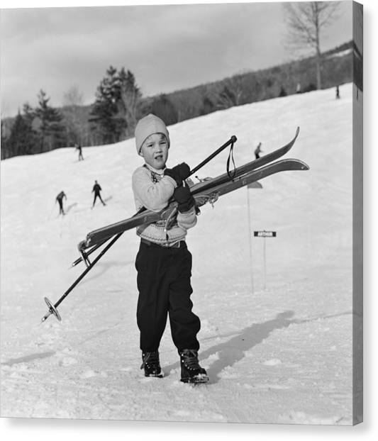 New England Skiing Canvas Print by Slim Aarons