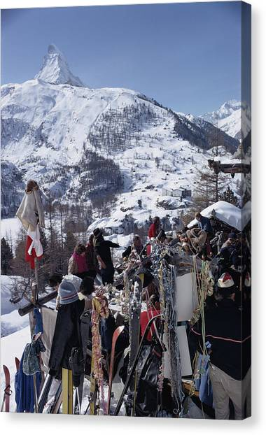 Zermatt Skiing Canvas Print by Slim Aarons