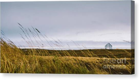 Beautiful Panoramic Photos Of Icelandic Landscapes That Transmit Beauty And Tranquility. Canvas Print