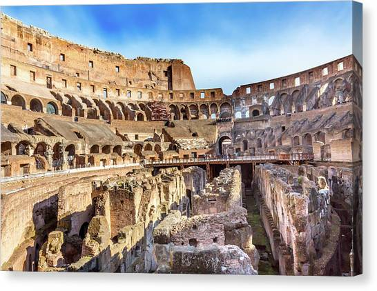 Colosseum, Rome, Italy Canvas Print by William Perry