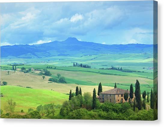 Farm In Tuscany Canvas Print by Mammuth