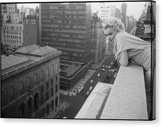 Marilyn On The Roof Canvas Print