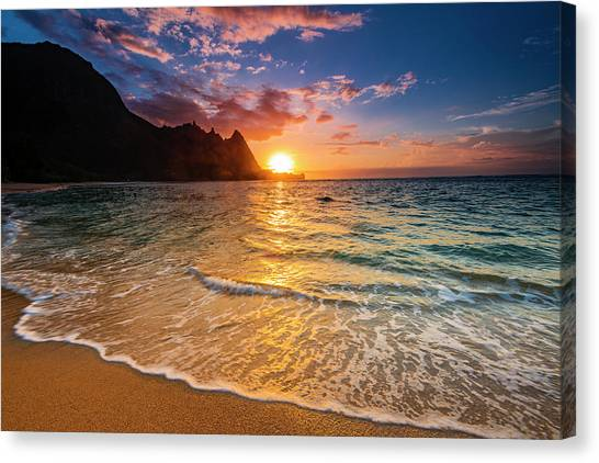 Sunset Over The Na Pali Coast Canvas Print by Russ Bishop