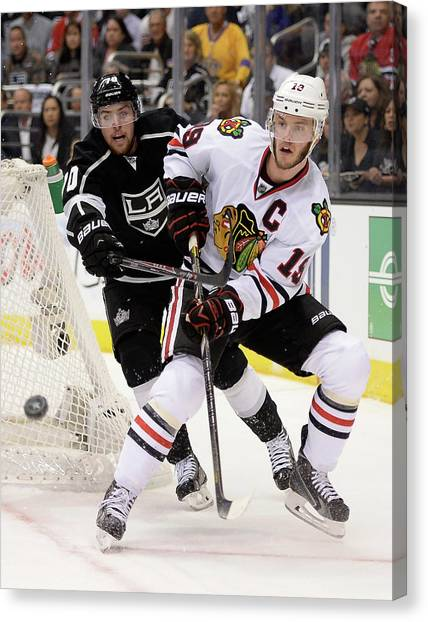 Chicago Blackhawks V Los Angeles Kings Canvas Print by Harry How