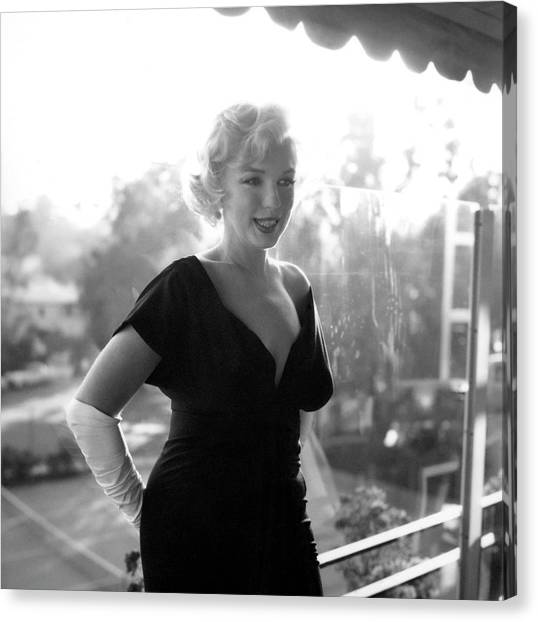 Marilyn Monroe At The Beverly Hills Canvas Print