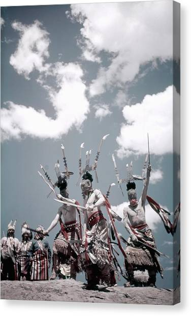 Inter-tribal Indian Ceremonial Canvas Print by Michael Ochs Archives