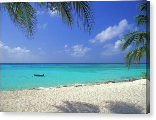 7 Mile Beach, Cayman Islands Canvas Print by Myloupe/uig