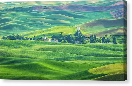 A Home In The Hills Canvas Print
