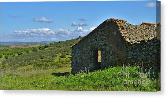 Abandoned Cottage In Alentejo Canvas Print