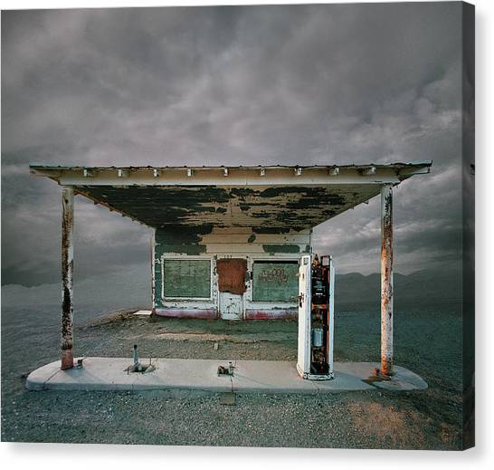 Abandoned Gas Station, Niland Ca Canvas Print