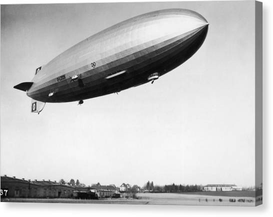 Airship Aloft Canvas Print by Hulton Archive