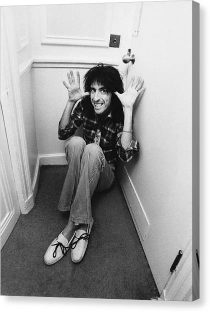 Alice Cooper Canvas Print - Alice Cooper At The Savoy by Fin Costello