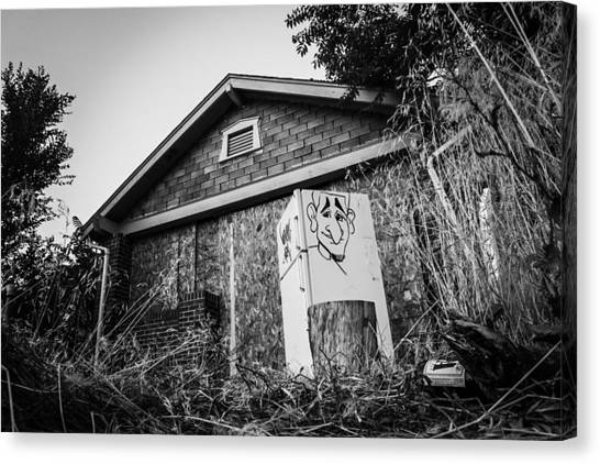 An Abandoned Home With A Personality  Canvas Print