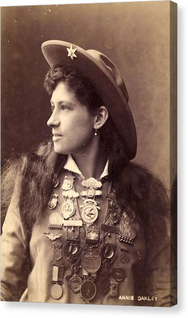 Annie Oakley Canvas Print by Hulton Archive