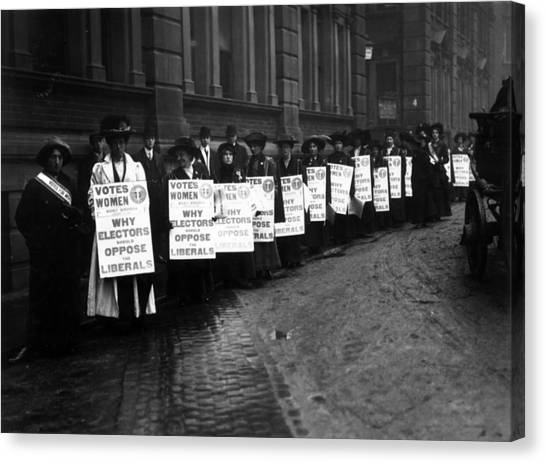 Anti-liberal Demo Canvas Print by Hulton Archive