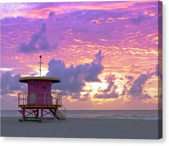 Art Deco Style Lifeguard Station At Canvas Print
