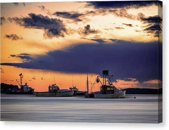 Canvas Print featuring the photograph At Anchor At Lookout Point by Rick Berk