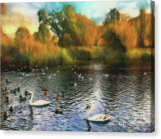 Canvas Print featuring the photograph Autumn On The Lake by Leigh Kemp