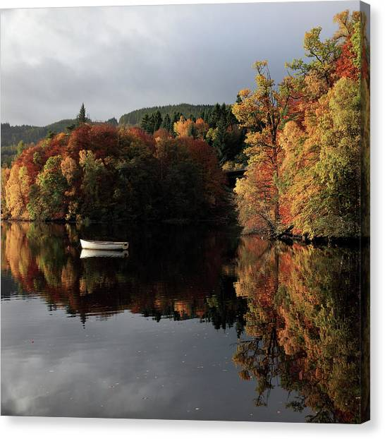 Canvas Print featuring the photograph Autumn Reflections by Grant Glendinning