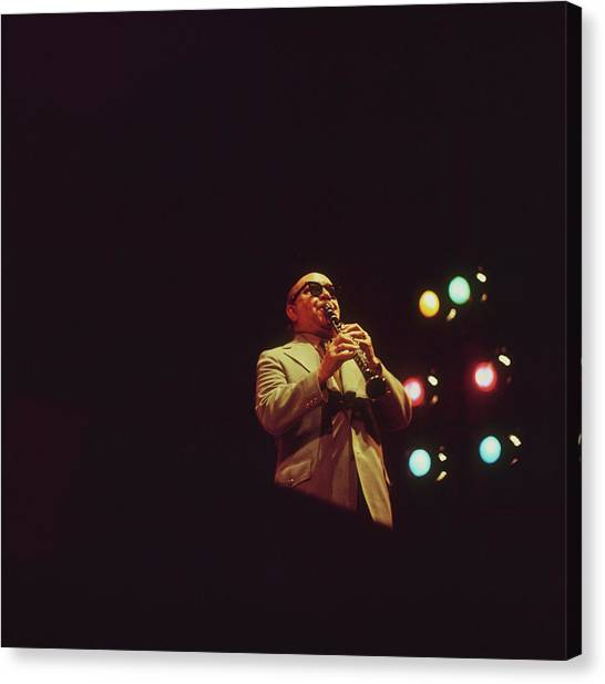 Barney Bigard Performs At Newport Canvas Print by David Redfern