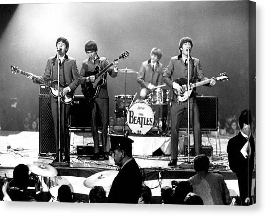 Beatles Perform In Washington, D.c Canvas Print by Michael Ochs Archives