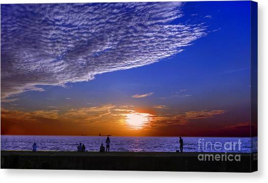 Beautiful Sunset With Ships And People Canvas Print