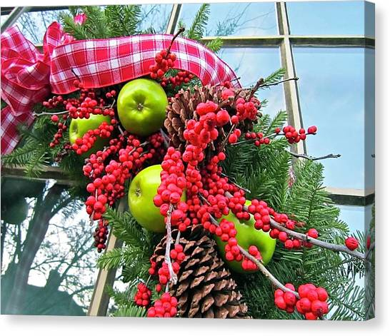 Canvas Print featuring the photograph Berry Christmas by Don Moore