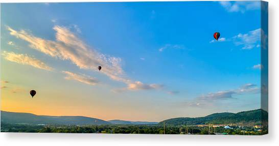 Binghamton Spiedie Festival Air Ballon Launch Canvas Print
