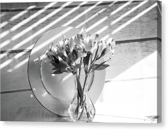 Bouquet And Plate-bw Canvas Print