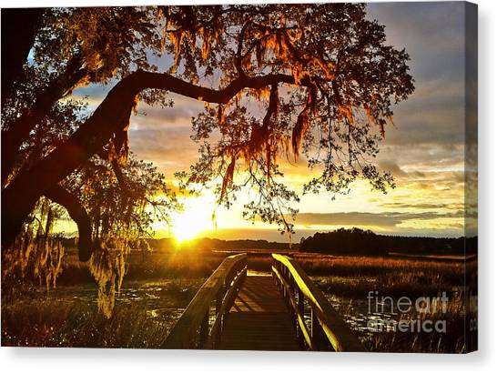 Breaking Sunset Canvas Print