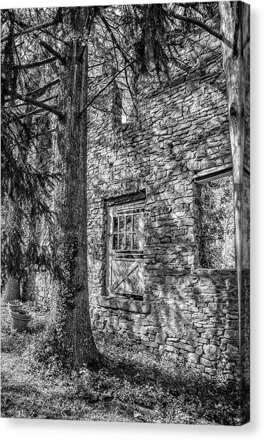 Canvas Print - Bridgetown Mill House Ruin In Bucks County In Black And White by Bill Cannon
